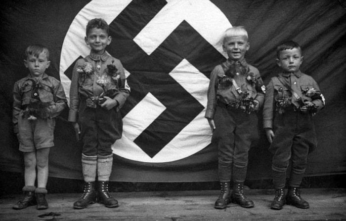 12 California Kids Form Human Swastika And Racist Hate